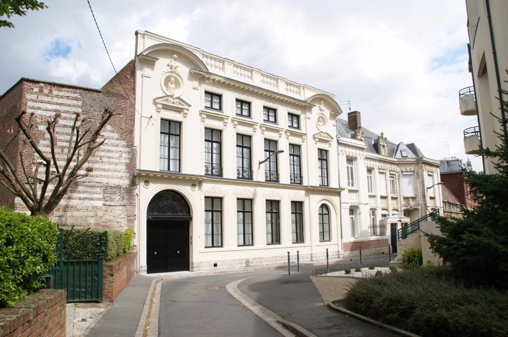 Renovation facade arras