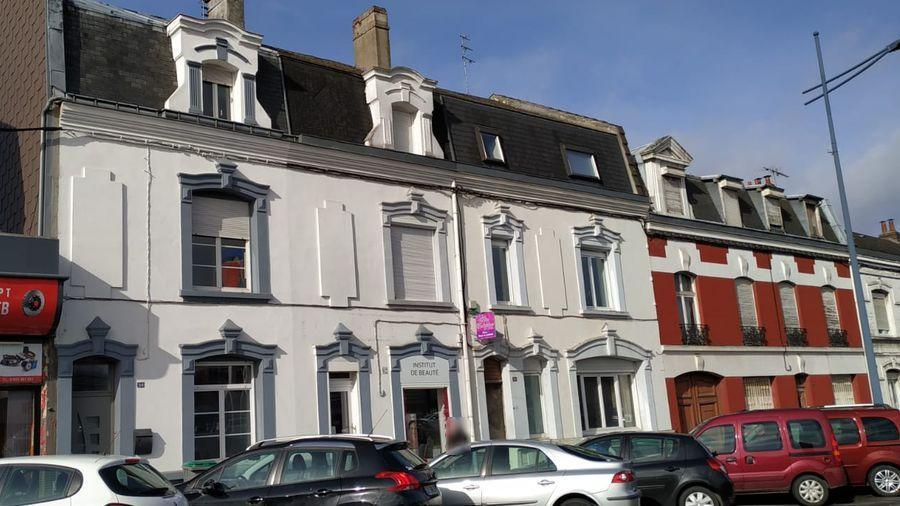 Estimatif à Arras pour la rénovation d'une toiture, d'un aménagement de comble pour une création d'une chambre et d'un escalier