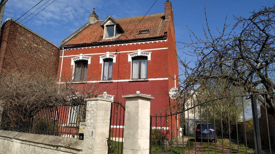 Travaux de rénovation dans cette maison à Roeux